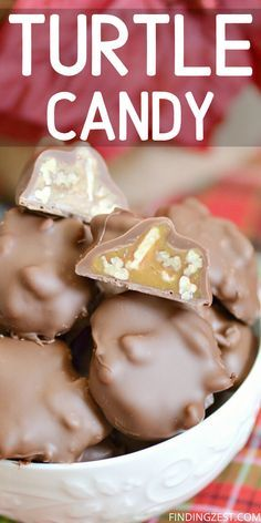 These delicious pecan caramel clusters are the perfect homemade candy recipe, perfect for the holidays or Valentine's Day! If you like homemade turtles, you'll love this chewy pecan caramel candy dipped in chocolate for a special treat. Holiday Desserts, Holiday Baking, Christmas Baking, Just Desserts, Christmas Sweets, Christmas Candy, Pecan Recipes, Caramel Recipes, Candied Pecans Recipe