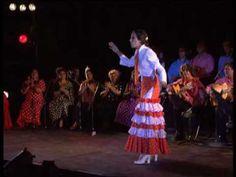 Estrella Morente - Tangos del cerro -  'Espiritual, serio y elegante'.  'El baile parece una danza ritual en su sensualismo, la expresividad del movimiento de los brazos'.