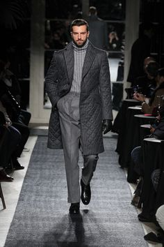 ~ Living a Beautiful Life ~ Joseph Abboud Fall 2018 Menswear Fashion Show Collection Stylish Mens Fashion, Fashion Fall, Stylish Menswear, Fashion 101, Fashion Advice, Dandy Style, Joseph Abboud, Mens Attire, Sharp Dressed Man
