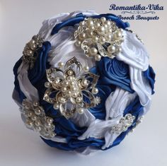Brooch Bouquet. White and Blue wedding brooch от RomantikaVika