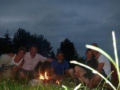 A 21h00, feu de camp, bivouac, bonne humeur et plaisir sont au rendez-vous.