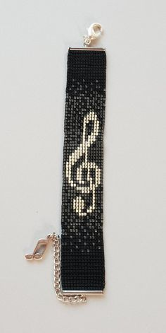 "Miyuki Armband ""Music"" versilbert - Source by mini Loom Bracelet Patterns, Seed Bead Patterns, Bead Loom Bracelets, Beaded Jewelry Patterns, Beading Patterns, Gold Bracelets, Gold Earrings, Beading Ideas, Chain Earrings"