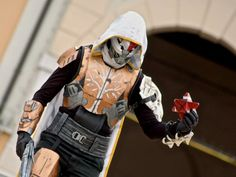 Destiny Cosplayer Grinds Endlessly To Create Perfect Outfit