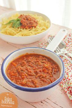 "Salsa boloñesa o ""ragú alla bolognese"" Salmon Recipes, Pasta Recipes, Beef Recipes, Chicken Recipes, Healthy Recipes, Recipe Pasta, Salsa Tomate, Breakfast Recipes, Dessert Recipes"