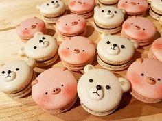 Ya os sorprendimos antes con los mágicos macarons de unicornios, y ahora os traemos algo aún más adorable: ¡pandas! Creados por la pastelera de Toronto Melly Eats World.