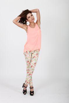 CRAZY DAYS! @comptoirdesparisiennes #comptoirdesparisiennes #mode #fashion #été #summer #model #brand #fashionblog #shooting #photo #fleur #rose #jean #shoes