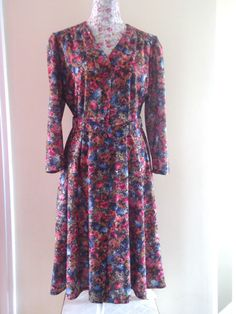 VINTAGE ST MICHAELS FLORAL PATTERN TEA DRESS BELTED FRONT BUTTONS MADE IN UK