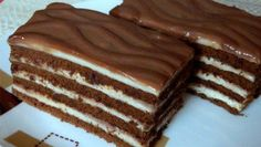 This cake melts in your mouth! Milk cubes cake, fast è - English Desserts, Sweet Desserts, Sweet Recipes, Delicious Desserts, Yummy Food, Cookie Recipes, Dessert Recipes, Torte Cake, Cacao