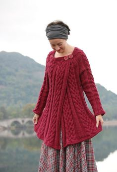 Ravelry: Westering Home pattern by Kate Davies Designs Cable Knitting, Hand Knitting, Vintage Knitting, Knitting Designs, Knitting Projects, Knitting Patterns, Crochet Patterns, Knit Or Crochet, Knitwear
