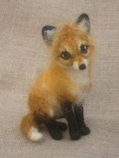 Needle felted baby fox pose-able woodland animal made door Ainigmati