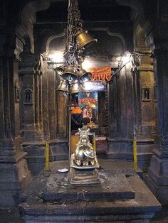 The Kedarnath temple is dedicated to Lord Shiva. It is among one of the twelve Jyotirlinga with pyramidal ShivaLinga Rudra Shiva, Mahakal Shiva, Shiva Statue, Shiva Art, Shiva Parvati Images, Hindu Deities, Hinduism, Temple India, Hindu Temple