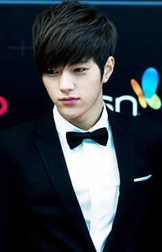 L. (infinite) ^________^ Come visit kpopcity.net for the largest discount fashion store in the world!!