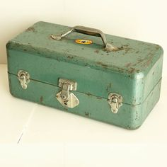 Vintage metal box - storage - craft - garden - tackle - Simonsen Metal Products - blue green