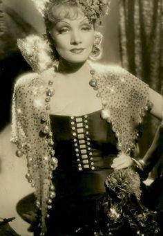 marlene dietrich - The Devil is a Woman - 1935