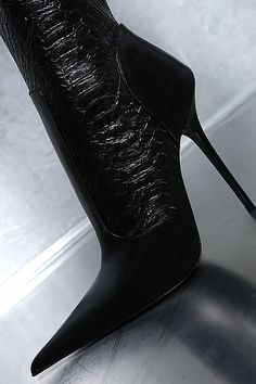 Sexy High Heels, Leather High Heels, Leather Boots, Stiletto Boots, High Heel Boots, Sexy Stiefel, How To Stretch Boots, Sexy Boots, Fashion Boots