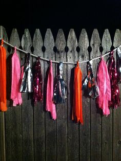 DIY confetti system garland via @Gemma Ocampo-Sioson Guide