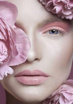 Ombretto occhi e labbra rosa pastello