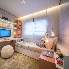 Quarto delicado e belo by Claudia Albertini. Amei❣️@pontodecor {HI} Snap:  hi.homeidea  www.homeidea.com.br #bloghomeidea #olioliteam #arquitetura #ambiente #archdecor #archdesign #hi #cozinha #homestyle #home #homedecor #pontodecor #homedesign #photooftheday #love #interiordesign #interiores  #picoftheday #decoration #world  #lovedecor #architecture #archlovers #inspiration #project #regram #canalolioli #quartogarota
