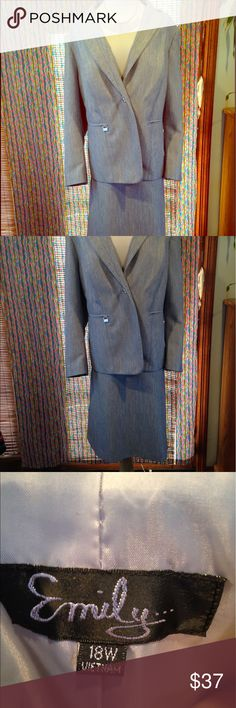 Size 18 women's gray dressy suit--skirt and blazer This professional and flattering plus size skirt suit is the way to go for all of your business occasions. Size 18. In excellent condition. Worn once for parent-teacher conferences. Became a fitness instructor and lost weight. Let my loss be your gain. Please ask any questions before purchasing. emily Other