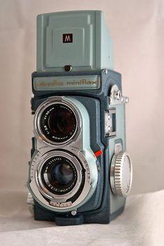 28 Ideas vintage camera lens film for 2019 Antique Cameras, Old Cameras, Vintage Cameras, Photography Camera, Underwater Photography, Pregnancy Photography, Underwater Photos, Landscape Photography, Portrait Photography