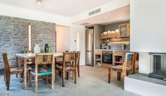 Cozy vacation villa Elea Aspro near Chania, can accommodate up to 11 people in its 5 bedrooms.