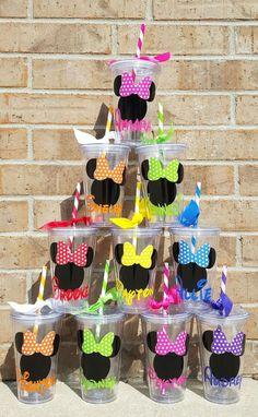 A Minnie continua a ser um dos temas mais utilizados para festas de aniversário, está sempre na moda e não só as mais pequenas que escolhem este como o seu