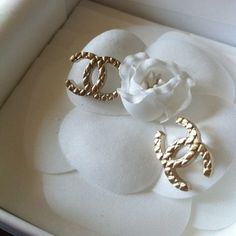 Oh my gosh I want these earrings #chanel