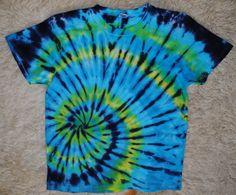 Tričko+L+-+Galaktický+vír+Originální,+pánské,+batikované+tričko+velikost+L,+108cm+přes+prsa,71cm+délka.+100%+bavlna.+Barveno+kvalitními+reaktivními+barvami,+praní+doporučuji+v+ruce+kvůli+zaprání+bílé+či+světlých+barev.+100%+bavlna180+g/m2+Možno+vyzkoušet+a+vyzvednout+v+Brně.