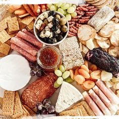 Get your FREE printable of Charcuterie Board Tips + How-To! Our best tips revealed to make it super easy to put your own board together! Appetizer Recipes, Appetizers, Recipe Boards, Charcuterie Board, Cool Diy Projects, Diy Home Improvement, Thanksgiving Decorations, Kitchen Hacks, Super Easy