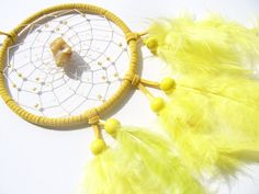 Bernstein  im gelben  Traumfänger  von Traumnetz.com  - Kraft der Steine   Besondere Geschenke auf DaWanda.com