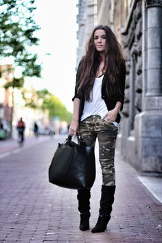Camo jeans & boots with black blouse or cardi
