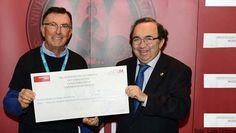 Entrega a Unicef del dinero recaudado con las camisetas UM http://www.um.es/actualidad/gabinete-prensa.php?accion=vernota&idnota=47281