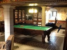 The snooker room for those competitive after dinner games!