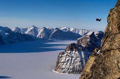 "23.9 mil Me gusta, 100 comentarios - National Geographic Adventure (@natgeoadventure) en Instagram: ""📷: @krystlejwright // Leaping off Ottawa Peak on Baffin Island, @flywithkatie flies over Sam Ford…"""