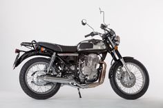 The Jawa 350 OHC in black color Jawa 350, Motorcycle Style, Royal Enfield, Cars And Motorcycles, Peugeot, Modeling, Nova, Product Launch, Bike