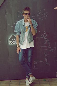 Hipster jeans jacket denim Style fashion hardrock café shirt streetstyle sunglasses.