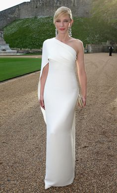 Oh, wow!  So elegant. Cate Blanchett in Ralph Lauren Collection at the Royal Marsden Dinner at Windsor Castle.