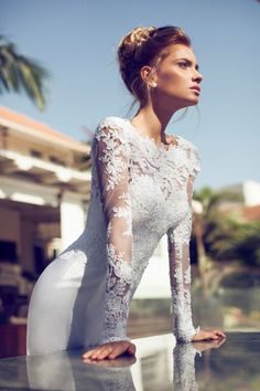 Chic Bateau Neck Floral Lace Pattern Sheath Wedding Dress with Long Lace Sleeves