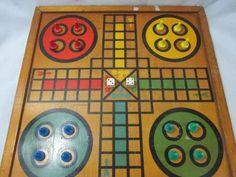 ? antigo jogo ludo tabuleiro de madeira completo