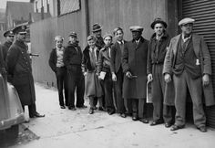In line for bleacher seats, League Park, Cleveland, OH, 1936. Cleveland Press/Cleveland Memory.