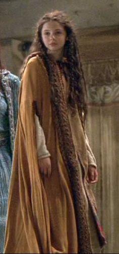 Movie costumes through time in Mists of Avalon, at Pirates Cave Theatre Costumes, Movie Costumes, Medieval Clothing, Historical Clothing, Larp, Mists Of Avalon, Celtic Mythology, Vintage Gothic, Fantasy Costumes