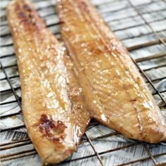 Snoek - best fish for a braai. Braai Recipes, Fish Recipes, Seafood Recipes, Cooking Recipes, Recipies, Eggless Recipes, Quick Recipes, Kitchen Recipes, Cooking Tips
