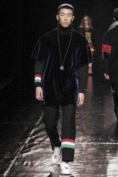 Sewing Boundaries Fall/Winter 2016/2017 - Seoul Fashion Week