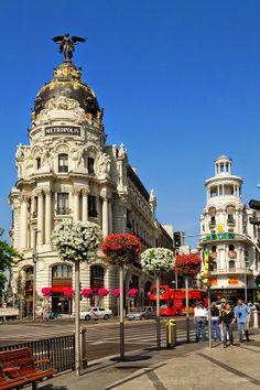 Madrid, recomendacines para visitarla y disfrutarla http://www.mbfestudio.com/2014/04/mariposas-viajan-diario-de-viaje-madrid.html