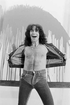 HAPPY BIRTHDAY TO THE ONE AND ONLY BON SCOTT!!!! 1946-1980