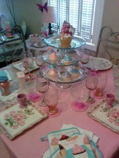 Decorating pink !!! Tea Party, Foods, Table Decorations, Decorating, Pink, Home Decor, Food Food, Decor, Food Items