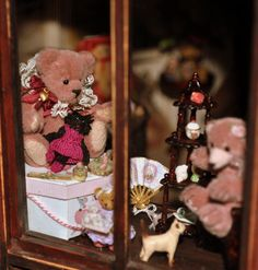 DSC_0481 Teddy Bear Shop, Dollhouse Miniatures, Artisan, Toys, Animals, Activity Toys, Animales, Animaux, Doll House Miniatures