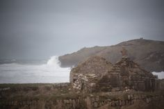 Storm and big swell rolling in at Cape Cornwall