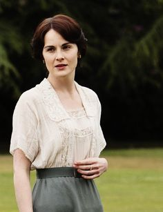 Lady Mary-Inspiration for Catharine's September 1915 outfit.