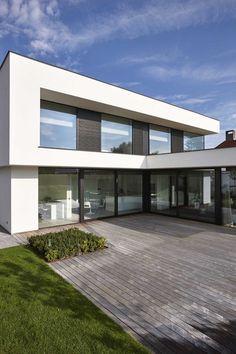 - GC Architects Source by samvanmulders Modern Villa Design, Modern Architecture Design, Residential Architecture, Plantas Duplex, House Outside Design, House Cladding, Home Building Design, Architectural Section, Architect House